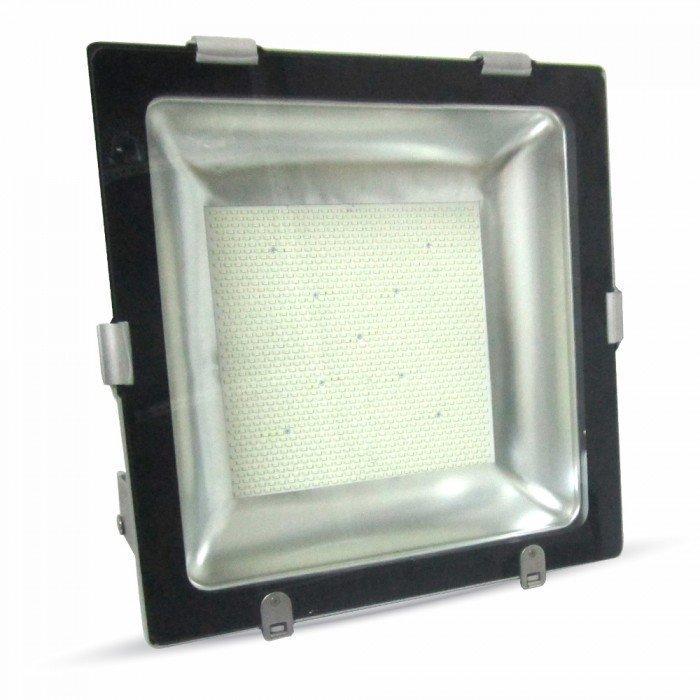 600W Suuritehoinen LED Valonheitin