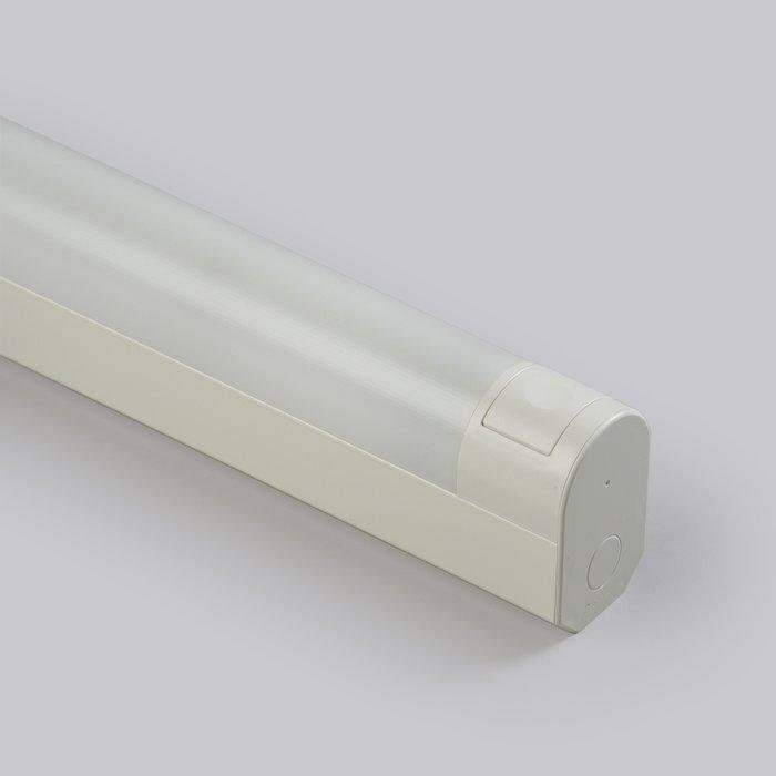 Ensto Jonovalaisin kytkimellä ja pistorasialla AVR 66.0181P (751mm