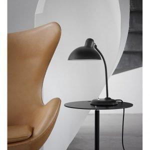 Fritz Hansen Kaiser Idell Pöytävalaisin Musta High-Gloss 6556-T