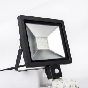 LED SLIM valonheitin 30 w sensorilla