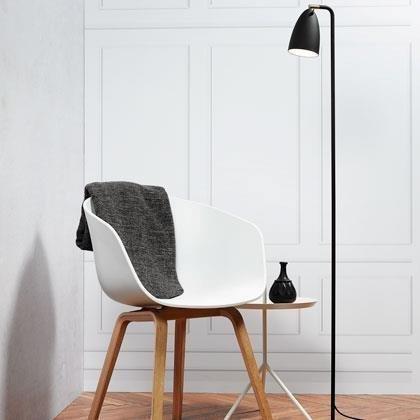 LED-lattiavalaisin Nexus Ø 260x1450 mm musta