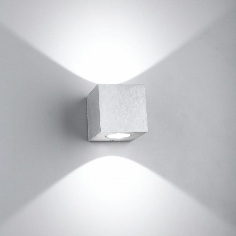 LED-seinävalaisin Wall Cubic 2 2x3W 3000K 2x200lm 65x70x65 mm kaksisuuntainen harjattu alumiini