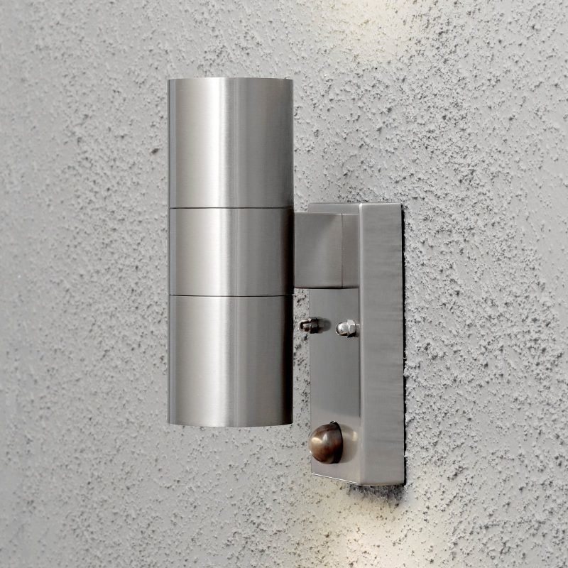 Seinävalaisin Modena 7542-000 65x110x200 mm ylös/alas liiketunnistimella RST