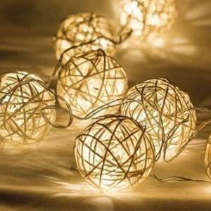 Valoköynnös rottinkipallot 10 LED-valoa